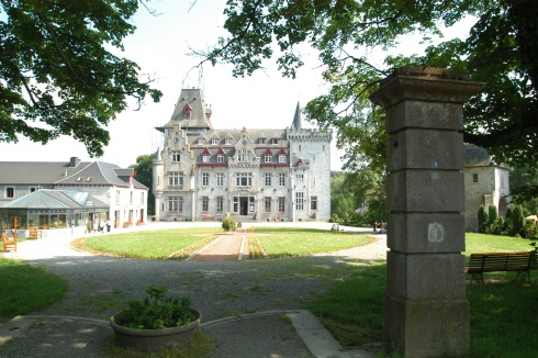 Petite Somme castle in Septon