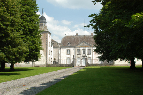 Deulin castle in Hotton